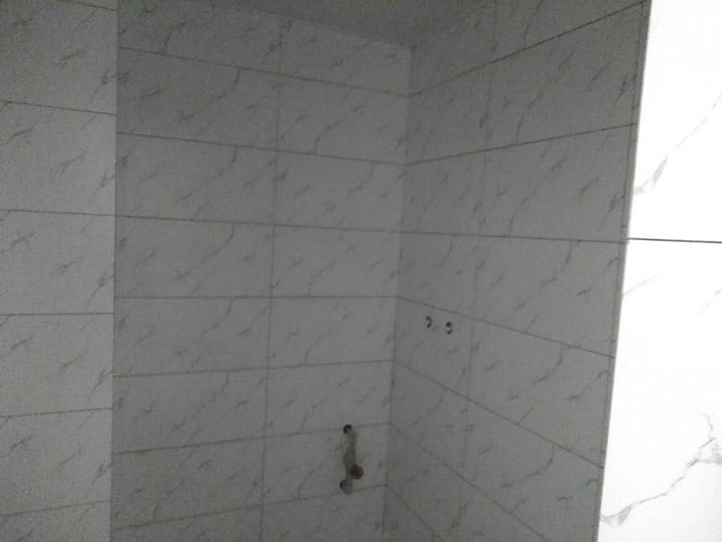 厕所瓷砖勾缝