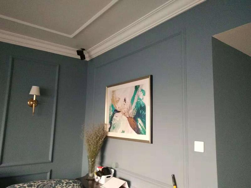 公寓挂画安装:墙面装饰,除了一些运用装修的材料之外,人们也能够通过挂画来进行装饰的,可以表现出一个主人的整体涵养和档次,墙上挂画怎么安装,只要做到准确的安装,才可以有好的结果。同时墙上挂画安装的方法也要理解,掌握好了办法之后,安装比较快,并且安全。