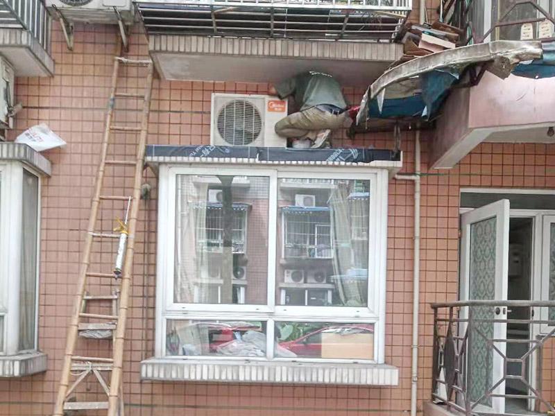一楼外墙瓷砖渗水维修