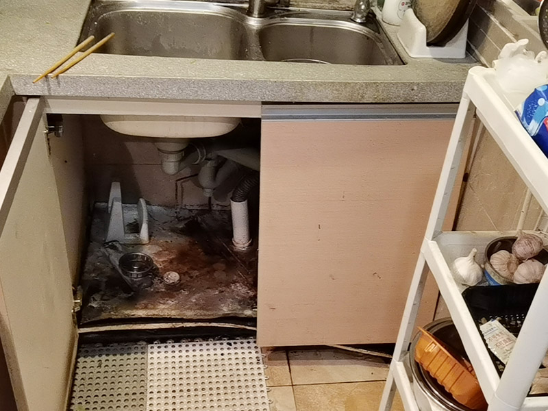 水槽下水管维修更换