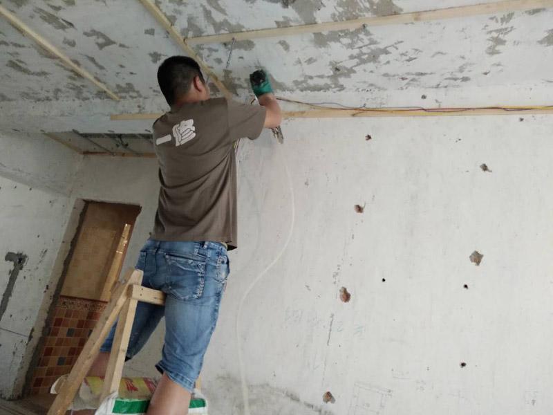 石家庄刷墙工人多少钱一天,石家庄刷墙工人去哪找