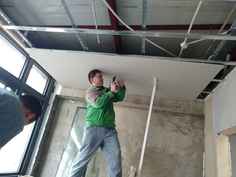 郑州墙壁总是开裂缝怎么回事,郑州墙壁裂缝怎么修补