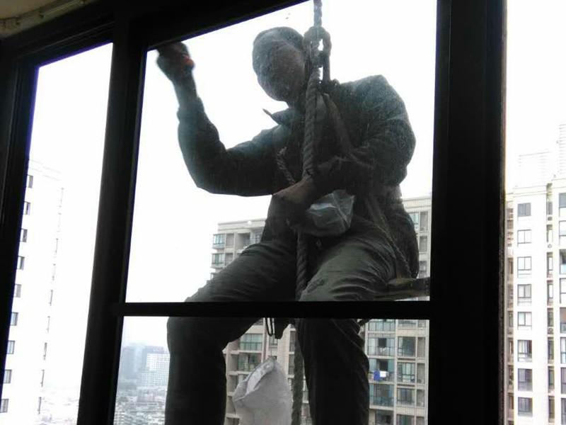 维修铝合金门窗,铝合金门窗安装不到位关不严如何维修