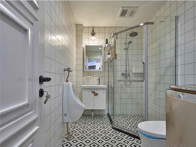 中山市区4-5平米卫生间翻新装修-基层处理